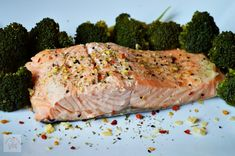 Broccoli gratinat - CAIETUL CU RETETE Baked Salmon Recipes, Romanian Food, Salmon Fillets, Cooking Salmon, Cooking Time, Broccoli, Cookie Recipes, Seafood, Turkey