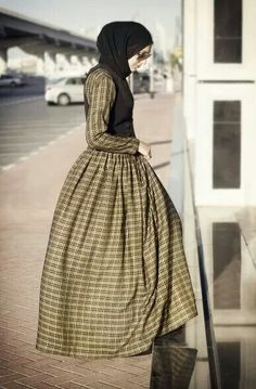 #hijab #fashion, the vest gives the dress a distinct, cuter look <3 :-D