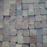 Aanbieding Gebakken Cobblestones  Deze gebakken bestrating is een sieraad voor uw tuin, oprit of terras. Bont gekleurd in een zacht kleurspectrum.