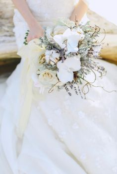 Pictures of bouquets at couples resorts — 15