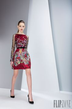 Georges Hobeika Fall-winter 2015-2016 - Ready-to-Wear - http://www.flip-zone.com/fashion/ready-to-wear/fashion-houses-42/georges-hobeika-5552