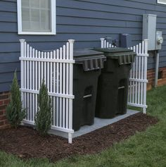 There are many easy front yard landscaping for homeowners that are easy to find. Either way you can have front yard landscaping that will take minimal work. Backyard Patio Designs, Backyard Landscaping, Privacy Fence Landscaping, Front House Landscaping, Mobile Home Landscaping, Fenced In Backyard Ideas, Landscaping Design, Patio Ideas, Backyard Ideas On A Budget