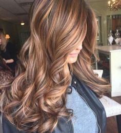 Caramel Ribbons with Chocolate Wavy Hair ❤ Balayage Is The New Hair Trend! Here we have collected our favorite balayage ideas. Tiger Eye Hair Color, Hair Color And Cut, Cool Hair Color, Eye Color, Fall Hair Colour, Hair Color For Brown Eyes, Fall Hair Color For Brunettes, Hair Color 2017, Colour Colour