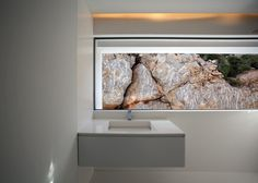 house on the hill | lav ~ fran silvestre arquitectos