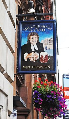 The Lord Moon of the Mall Pub, The Mall, London