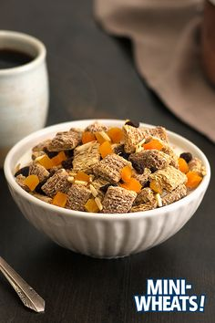 HOT MINI-WHEATS® MAPLE CEREAL WITH DRIED FRUITS AND NUTS ________________ Mini-Wheats® Maple Cereal + milk + slivered almonds + dried apricots + raisins Healthy Breakfast Recipes, Healthy Drinks, Healthy Snacks, Healthy Eating, Healthy Recipes, Cereal Milk, Tasty, Yummy Food, Dried Apricots