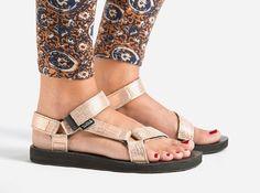 teva-metallic-rose-gold-sandals