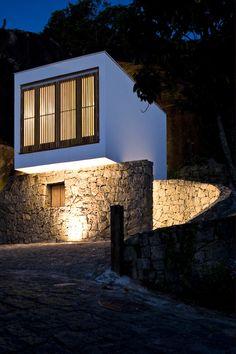 La construction de la Casa Box par Alan Chu – Cristiano Kato Arquitetos a suivi un programme simple.