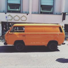 Spotted by @themattsteele in Brighton today. Love the paint job. #Volkswagen #vw #vwt25  #vwt3  #vanagon #westy #westfalia #t25 #t3 #vanlife http://ift.tt/KHKkxu by volkswagent25dotcom