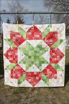 "Swooning for Christmas | Hopeful Homemaker 72"" x 72"" patchwork swoon quilt with tutorial"