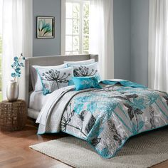 Cozy up in bold comfort with the Madison Park Essentials Claremont Complete Coverlet Set. Oversized blooming floral creates a fashion-forward statement against a microfiber base, adding a decorative layer to your bed unique enough to stand alone. Teal Bedding Sets, Comforter Sets, Quilt Sets Queen, Cotton Sheet Sets, Luxury Bedding, Modern Bedding, Bed Spreads, Duvet Cover Sets, Decoration