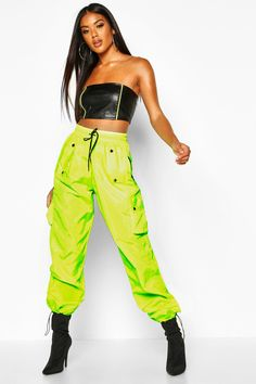 Womens High Waist Neon Cargo Pocket Shell Jogger - green - 4 Neon Party Outfits, Neon Green Outfits, Baddie Outfits Casual, Trendy Outfits, Cute Outfits, Fashion Outfits, Mode Streetwear, Streetwear Fashion, Modern Fashion