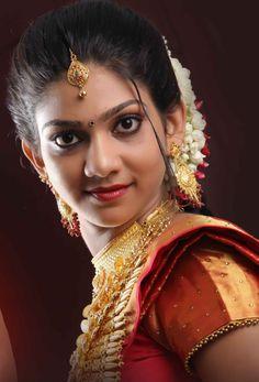 Indian Natural Beauty, Indian Beauty Saree, Beautiful Girl Indian, Beautiful Indian Actress, Indian Eyes, Indian Girls Images, Glamorous Makeup, Beautiful Bollywood Actress, Exotic Beauties