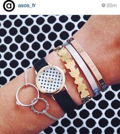 Ahlala Qui peut être aussi doué pour faire cette magnifique montre et ses bracelets