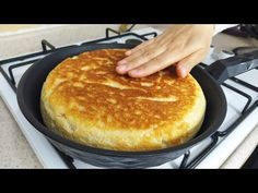Többé nem vásárol kenyeret! Nincs sütő! Hihetetlenül jó! - YouTube Gluten Free Recipes, Bread Recipes, Cake Recipes, Chicken Recipes, Beignets, Bread Rolls, How To Make Bread, Pizza, Four