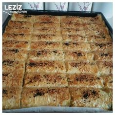 Baklava Yufkasıyla Çıtır Çıtır Ispanaklı Börek Pie, Desserts, Food, Torte, Tailgate Desserts, Cake, Deserts, Fruit Cakes, Essen