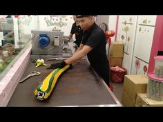 #65 Handmade Candy - LION DESIGN CANDY -  How to Sticky Candy Is Made Cambodian People, Cambodian Food, Hard Candy, Sticky Candy, Candy Games, Lion Images, Candy Cart, Cherry Candy, Lion Design