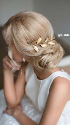 mother of the bride hairstyles low bun on blonde wedding hair elstile via instag. Wedding Hair And Makeup, Wedding Hairstyles For Long Hair, Up Hairstyles, Bridal Hair, Beautiful Hairstyles, Hair Wedding, Wedding Bride, Bridal Tips, Glamorous Hairstyles