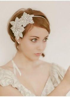 frisyr bröllop axellångt hår - Google Search