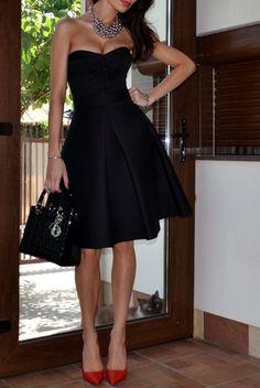 Vestido negro coctel zapatos