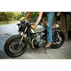 overboldmotorco:  #honda #cb #custom #bike #caferacer #bratstyle #scrambler #motorcycle #ride  Honda CB750 '73 by Tyson Carver by saint_motors http://overboldmotor.co
