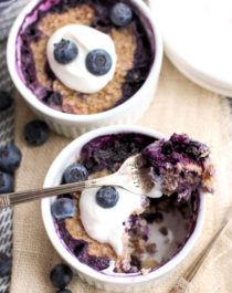 Healthy Microwaveable Blueberry Quinoa Flake Muffins (Desserts With Benefits) Oreo Dessert, Brownie Desserts, Mini Desserts, Quinoa Desserts, Coconut Dessert, Healthy Vegan Desserts, Sugar Free Desserts, Easy Desserts, Healthy Puddings