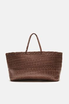 Channeling the Art of Gourmet Bathing: The Marysia Residency at The Line Los Angeles Craig Wright, Weekender Tote, Shopper Bag, Business Women, Straw Bag, Girl Fashion, My Style, Girl Style, Weaving