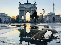 Dal nostro arco della Pace lo scatto di  : @allegerri #milanodavedere Milano da Vedere