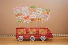 Kreatív órarend a Kifli és levendula blogról Wooden Toys, Crafts, Collage, Craft Ideas, Milk Cartons, Manualidades, Bricolage, Paper, Wood Toys