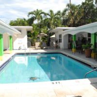 This Fort Lauderdale, Florida hostel has free Wi-Fi. Miami Beach, Florida Hotels, Private Room, At The Hotel, Fort Lauderdale, Hostel, State Parks, Outdoor Decor, Alarm Clock