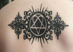 gothic-pentagram-back-tattoo