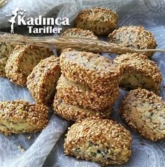 Susamlı Çay Kurabiyesi Tarifi-Atıştırmalık tarifler – Las recetas más prácticas y fáciles Easy Cake Recipes, Pie Recipes, Easy Dinner Recipes, Cookie Recipes, Easy Meals, Tea Cookies, Sesame Cookies, Perfect Rice Recipe, Good Food