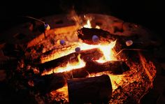 https://flic.kr/p/d1L7oE | Campfire | Had a retreat with our church this weekend. The kids were delighted with making smores!  237.365+1