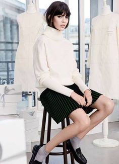 oversized turtleneck sweater + micro pleated skirt + loafers with socks Swedish Fashion, Modern Fashion, Timeless Fashion, Minimalist Fashion, Slow Fashion, Autumn Fashion, Frock And Frill, Inspiration Mode, Style Me