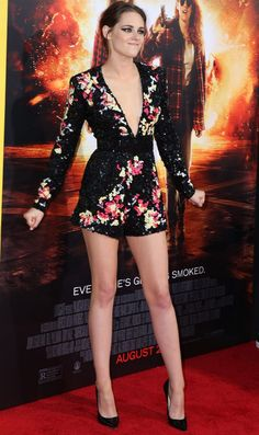 kristen stewart outfits best outfits - Page 41 of 100 - Celebrity Style and Fashion Trends Beautiful Celebrities, Beautiful Actresses, Kristen Stewart Pictures, Kristen Stewart Fashion, Emma Watson Style, Kirsten Stewart, Sexy Legs And Heels, Elizabeth Gillies, Beautiful Legs
