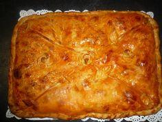 La cocina de Lola: Empanada de pisto y atún. http://es.pinterest.com/kiwikiwie/masas-dulces-y-saladas/
