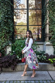 floral dress trina turk nyfw what to wear to new york fashion week new yorker fashion blogger ann taylor zara nude heels jcrew jewelry full dress how to wear a white button up shirt under a dress red lipstick strapless dress