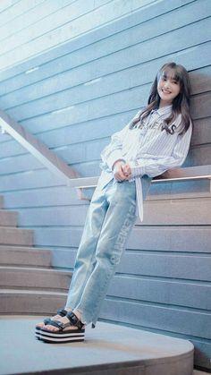 Korean Girl Photo, Cute Korean Girl, Asian Girl, Girl Pictures, Girl Photos, Cute Casual Outfits, Girl Outfits, Cute Girl Hd Wallpaper, Selena Gomez Photoshoot