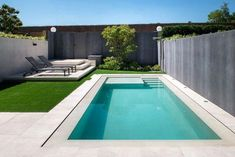 The presence of a swimming pool in a house is not only a compliment. More than that, the swimming pool is also a means for its owners to unwind. If you want to bring a swimming pool at home, no nee… Swiming Pool, Small Swimming Pools, Swimming Pools Backyard, Swimming Pool Designs, Pool Landscaping, Backyard Pool Designs, Small Backyard Pools, Backyard Patio, Outdoor Pool