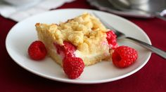Carb Smart, Gluten-Free Raspberry Almond Cream Cheese Coffee Cake Can a gluten-free, lower carb brunch include coffee cake? You bet. Carolyn...