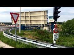 Zugbrücke - YouTube
