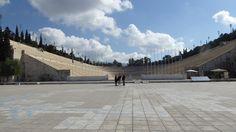 Fotografía: Rebeca Pizarro - Estadio Olímpico - Atenas Sidewalk, Louvre, Building, Travel, Athens, Greece, Palaces, Vacation, Cities