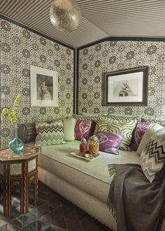 With their rich layers, intricate patterns and elaborate lighting, rooms with a Moroccan influence are easy to spot.