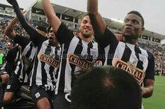 Hoy 19/7 festejando uno de los goles al ritmo del Caballito de Palo.