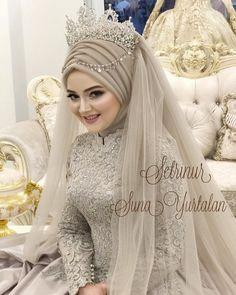 Weddings are special occasions wearing a Wedding Abaya fills the need of modesty. This also can be made extremely elegant check full Wedding Abaya guide. Muslim Wedding Gown, Wedding Abaya, Muslimah Wedding Dress, Muslim Wedding Dresses, Muslim Brides, Bridal Dresses, Wedding Gowns, Muslim Girls, Wedding Cakes