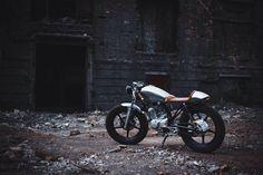 Ukrainian customizers built a cafe-racer based on the Yamaha YBR 125