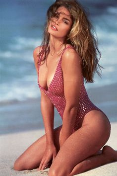 Cindy Crawford with No tattoos ! Just Sexy & Classy! ❤️❤️❤️