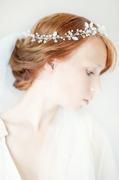 So, we're not engaged yet, but I love this bridal crown and veil (by SIBO Designs) found at #emmalinebride