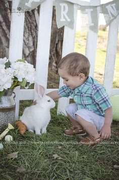 Denver Colorado. Brandy Caruso Photography. Real Live easter bunny children mini sessions 2015