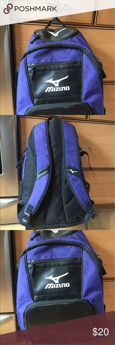 Girls softball bag Like new only used 2 times Mizuno Other